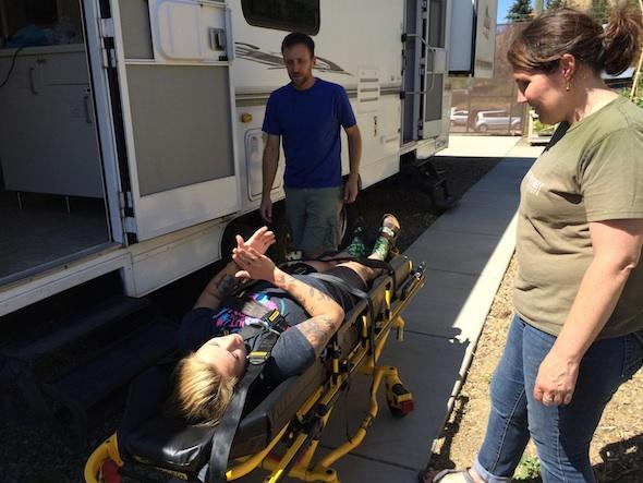 web_JB_Becca_Donna_clinic_stretcher_drills_dm