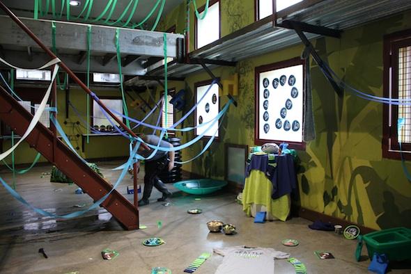 web_Super_Bowl_Party_setup_2015_12thman_Liz_volunteer_PR_kh_IMG_8346