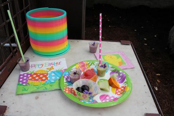 web_Easter_breakfast_forage_food_enrichment_GH_kh_IMG_0406