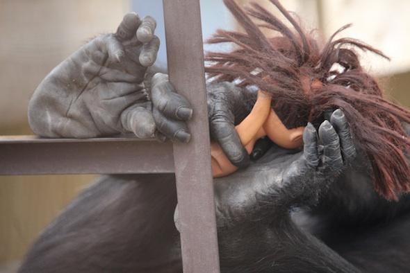 web_Foxie_hands_feet_hold_dora_GH_kh_IMG_4320